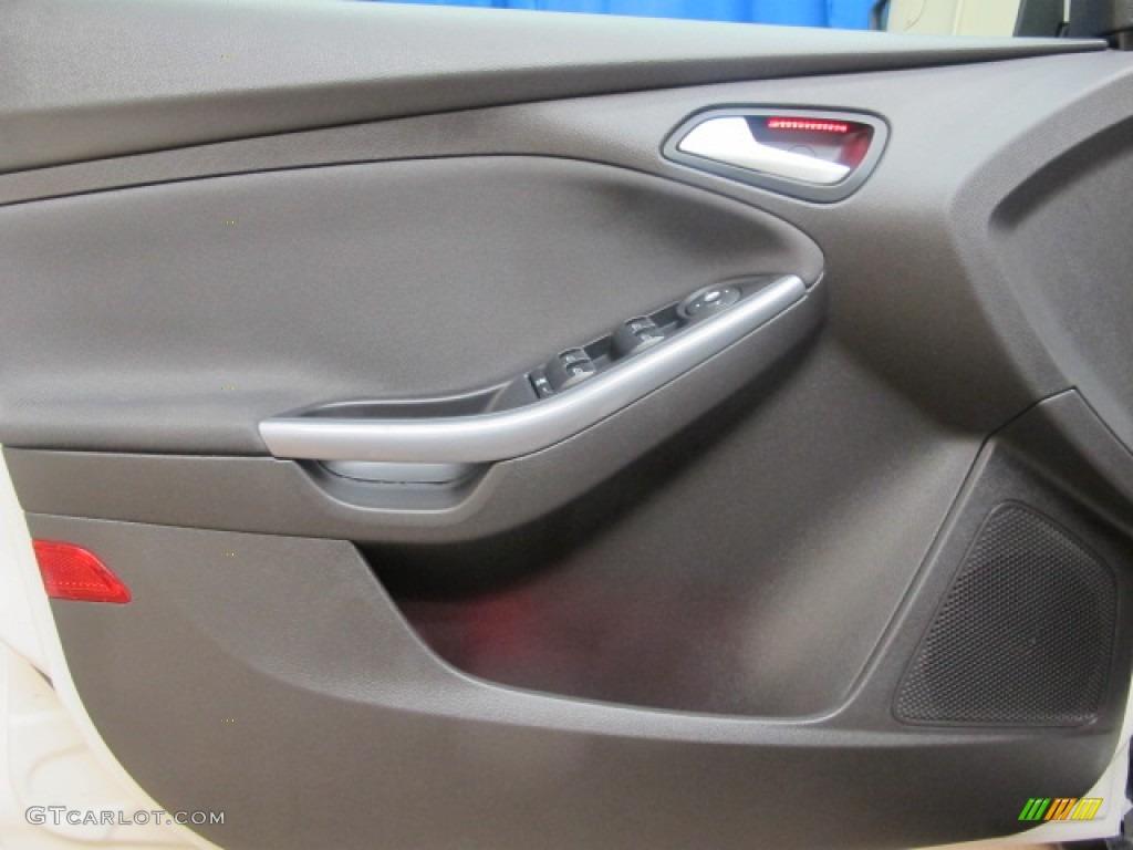 2012 Focus Titanium Sedan - White Platinum Tricoat Metallic / Charcoal Black photo #31