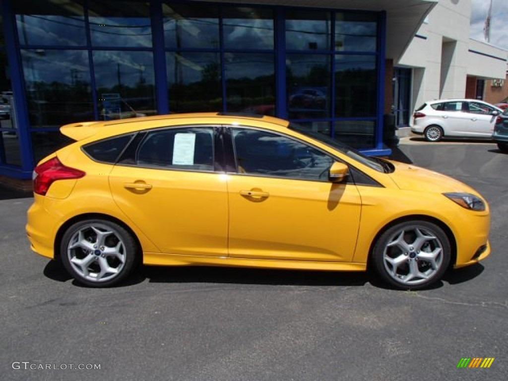 2014 tangerine scream ford focus st hatchback 83960958 photo 1 car color. Black Bedroom Furniture Sets. Home Design Ideas