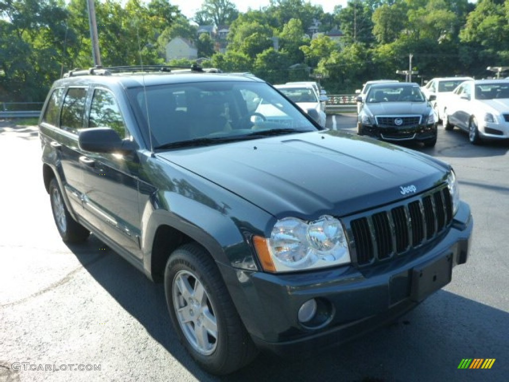 2006 Grand Cherokee Laredo 4x4 - Deep Beryl Green Pearl / Medium Slate Gray photo #1
