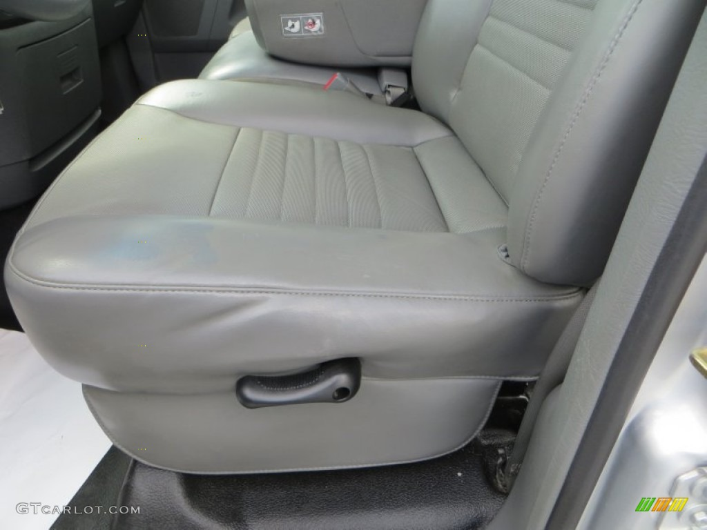 2006 Ram 1500 Laramie Quad Cab - Bright Silver Metallic / Medium Slate Gray photo #30