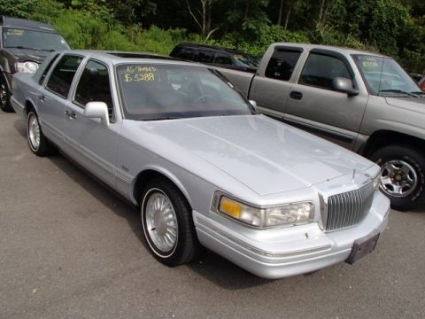 1996 Lincoln Town Car Cartier Data Info And Specs Gtcarlot Com