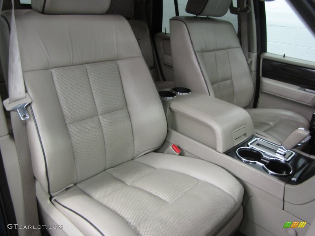 2007 Lincoln Navigator Ultimate 4x4 Front Seat Photo #84395550