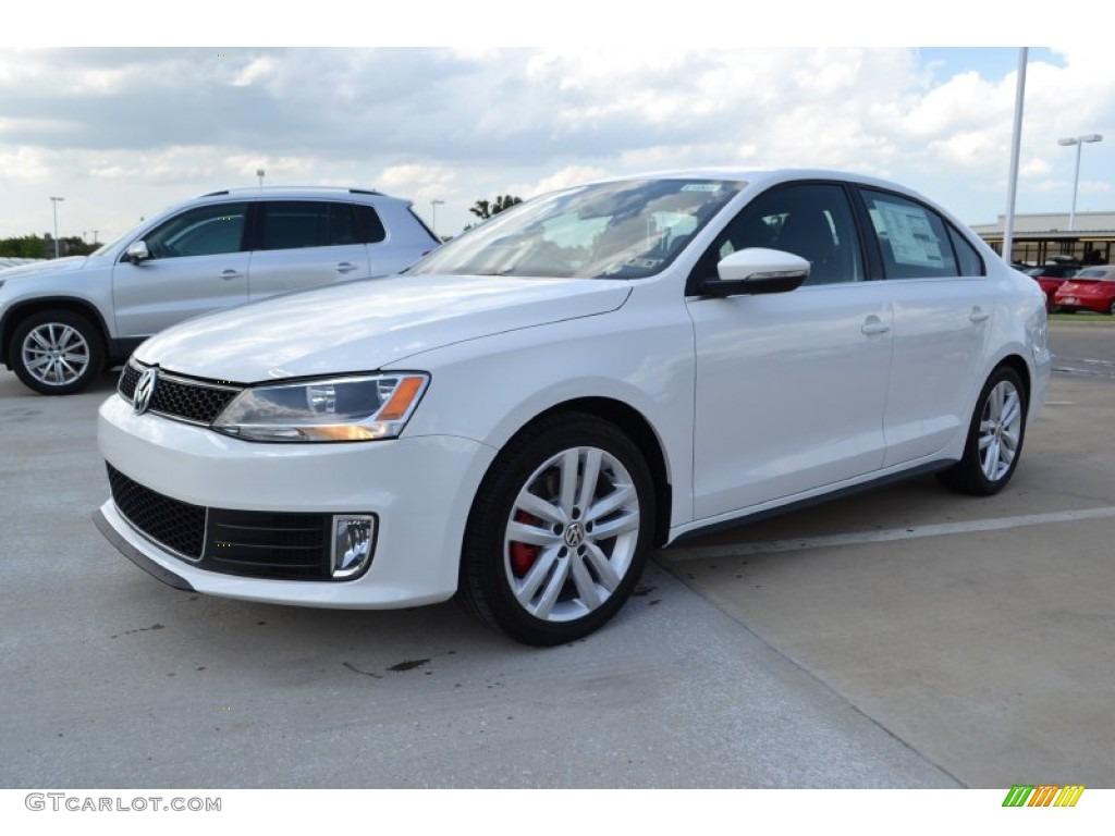 Volkswagen Jetta for sale. White, 2014 - dubicars.com