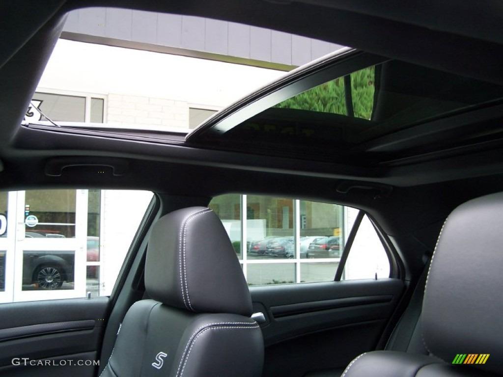 2012 chrysler 300 s v8 sunroof photo 84676418. Black Bedroom Furniture Sets. Home Design Ideas