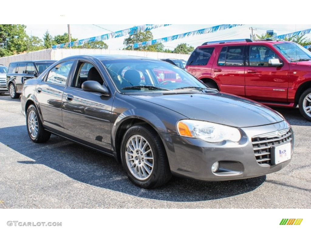 2005 Chrysler Sebring Touring Sedan Exterior Photos