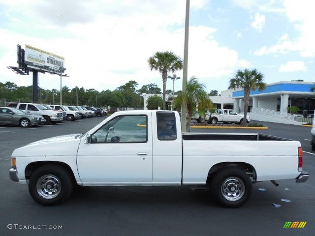 Cloud white 1995 nissan hardbody truck se v6 extended cab exterior photo 84690468