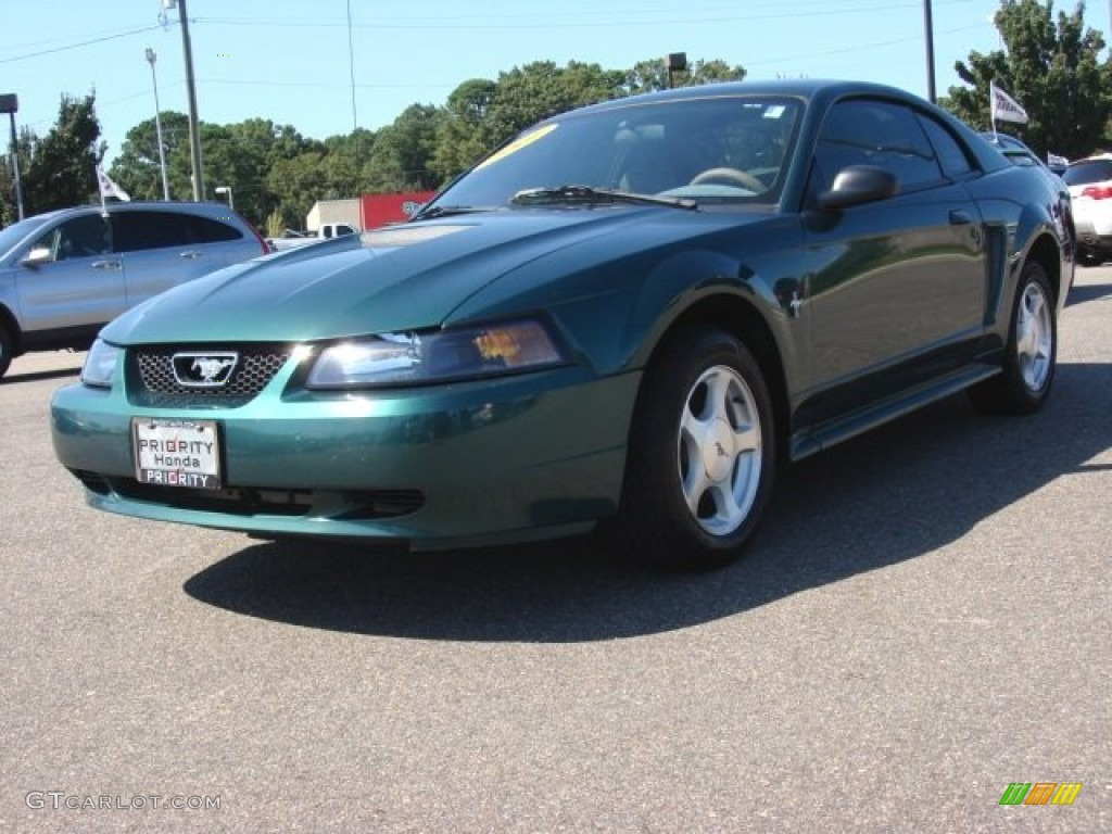 2001 Mustang V6 Coupe - Tropic Green metallic / Medium Parchment photo #1