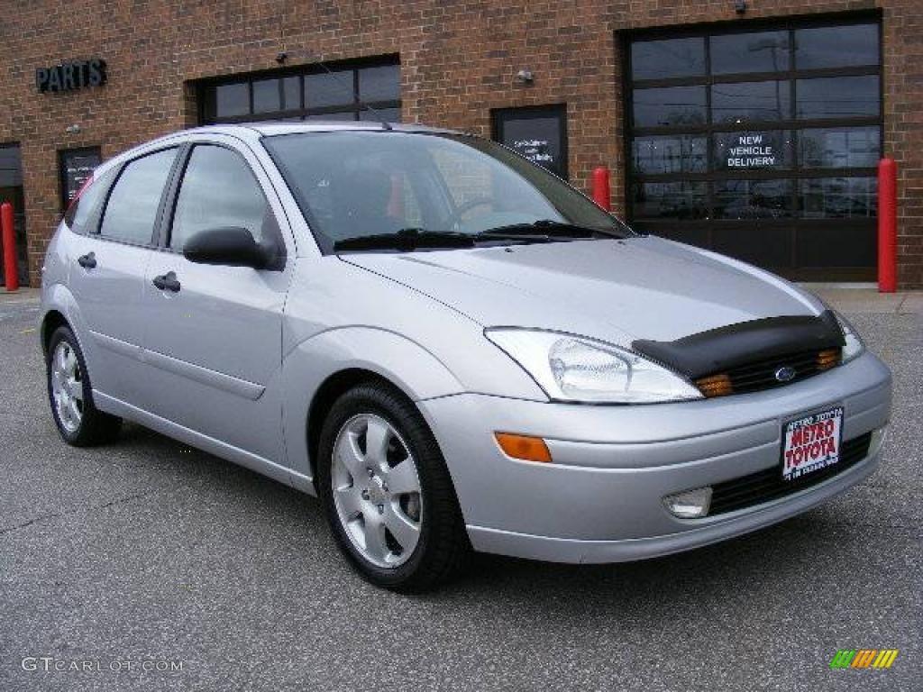 2002 cd silver metallic ford focus zx5 hatchback 8480376 photo 26 car color. Black Bedroom Furniture Sets. Home Design Ideas