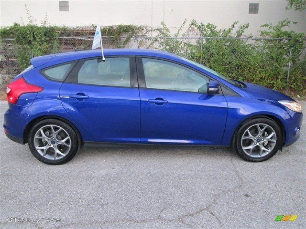 performance blue 2013 ford focus se hatchback exterior photo 85084820. Black Bedroom Furniture Sets. Home Design Ideas