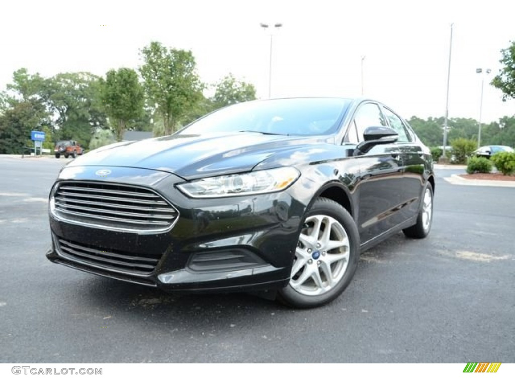 2013 Fusion SE - Tuxedo Black Metallic / Charcoal Black photo #1