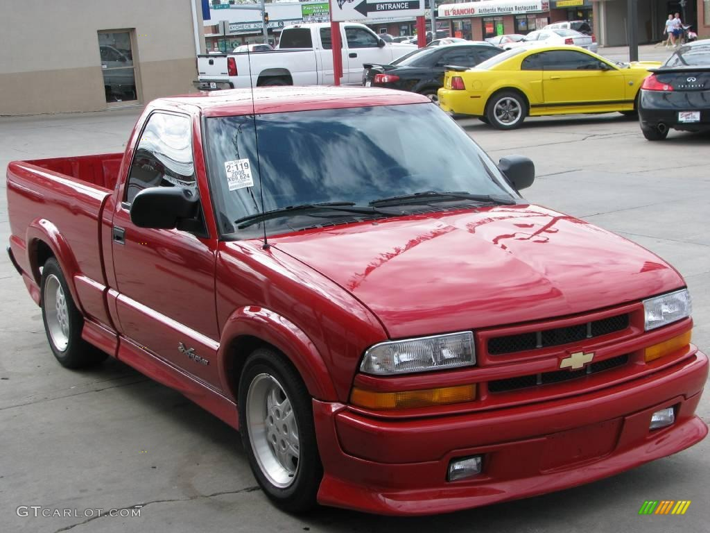 2000 S10 Xtreme Regular Cab Victory Red Graphite Photo 10