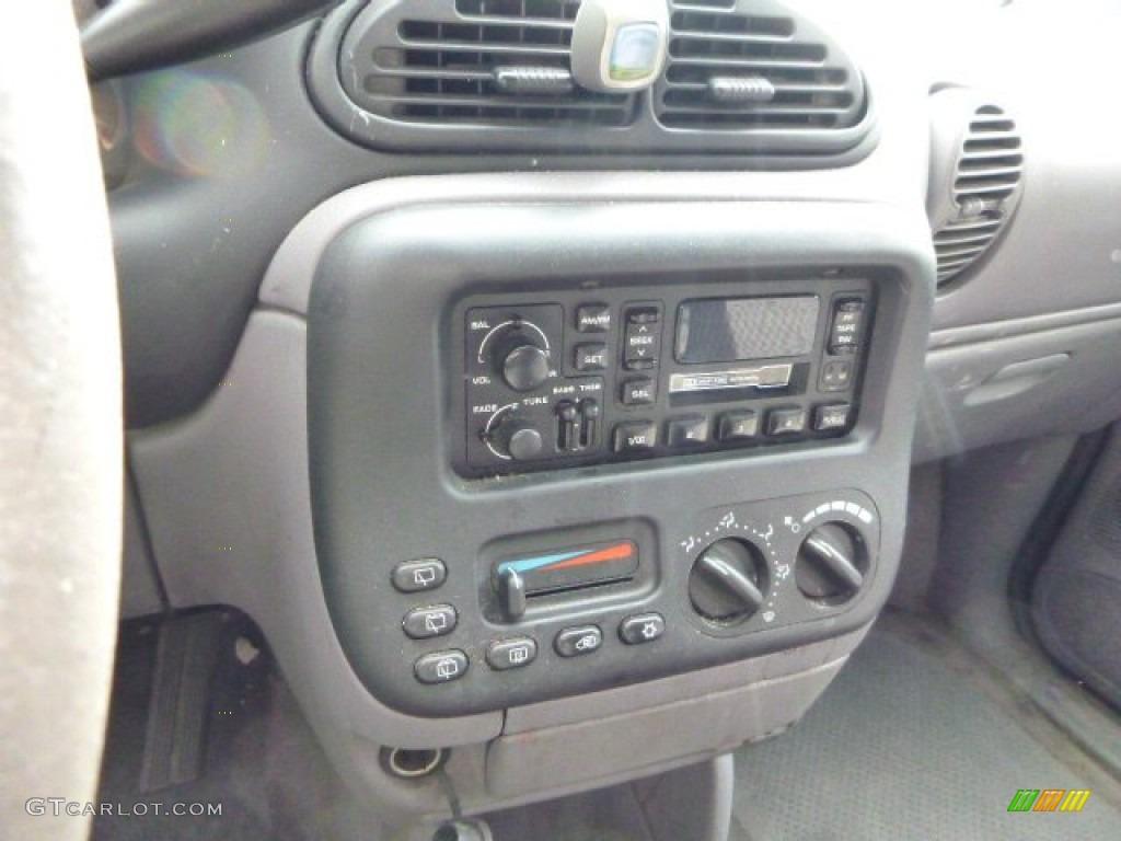 2000 chrysler voyager standard voyager model controls for Interieur chrysler voyager 2000