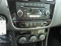 Black/Light Frost Beige Controls Photo for 2014 Chrysler 200 #85885174