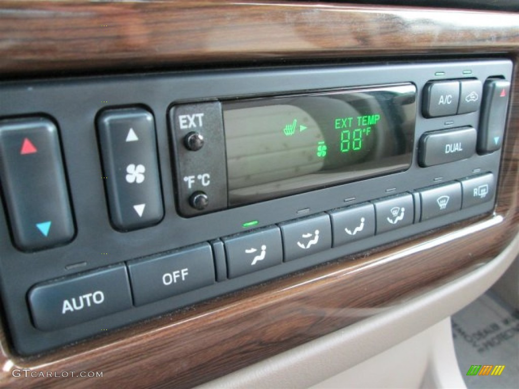 2003 Ford Explorer Eddie Bauer Controls Photos