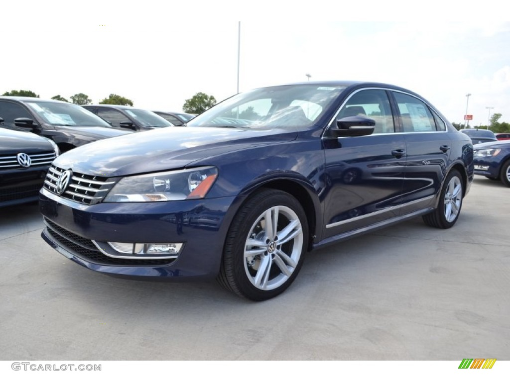 night blue metallic 2014 volkswagen passat tdi sel premium. Black Bedroom Furniture Sets. Home Design Ideas