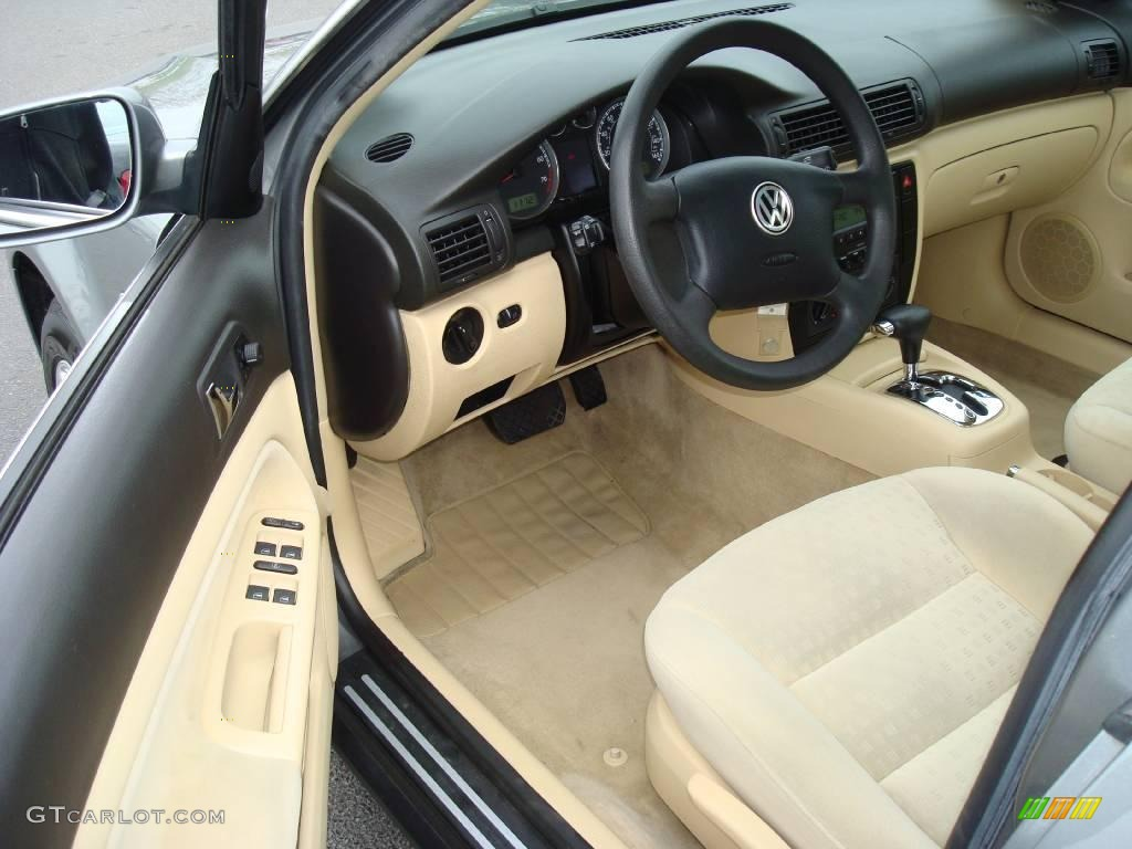 beige interior 2003 volkswagen passat gls sedan photo. Black Bedroom Furniture Sets. Home Design Ideas