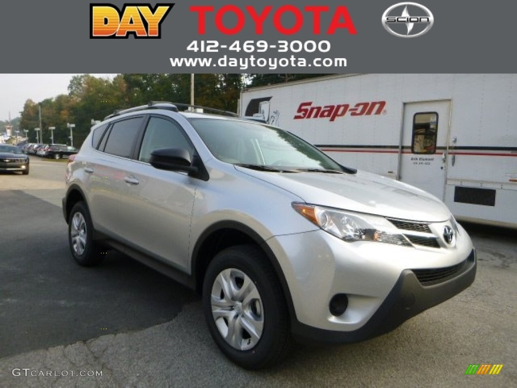 2013 classic silver metallic toyota rav4 le awd 86008119. Black Bedroom Furniture Sets. Home Design Ideas