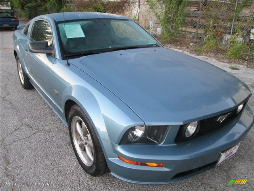 2006 Mustang GT Deluxe Coupe - Windveil Blue Metallic / Light Graphite photo #1