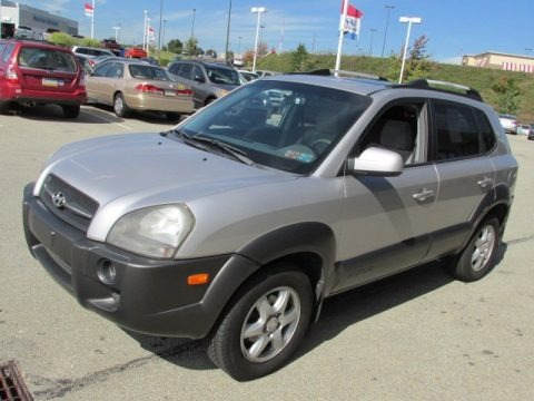 2005 hyundai tucson gls v6 data info and specs. Black Bedroom Furniture Sets. Home Design Ideas