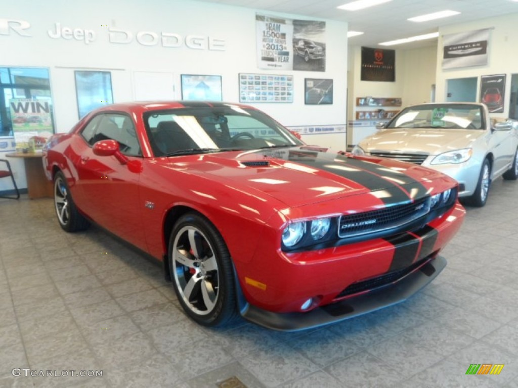 2011 Challenger SRT8 392 - Redline 3-Coat Pearl / Dark Slate Gray photo #1