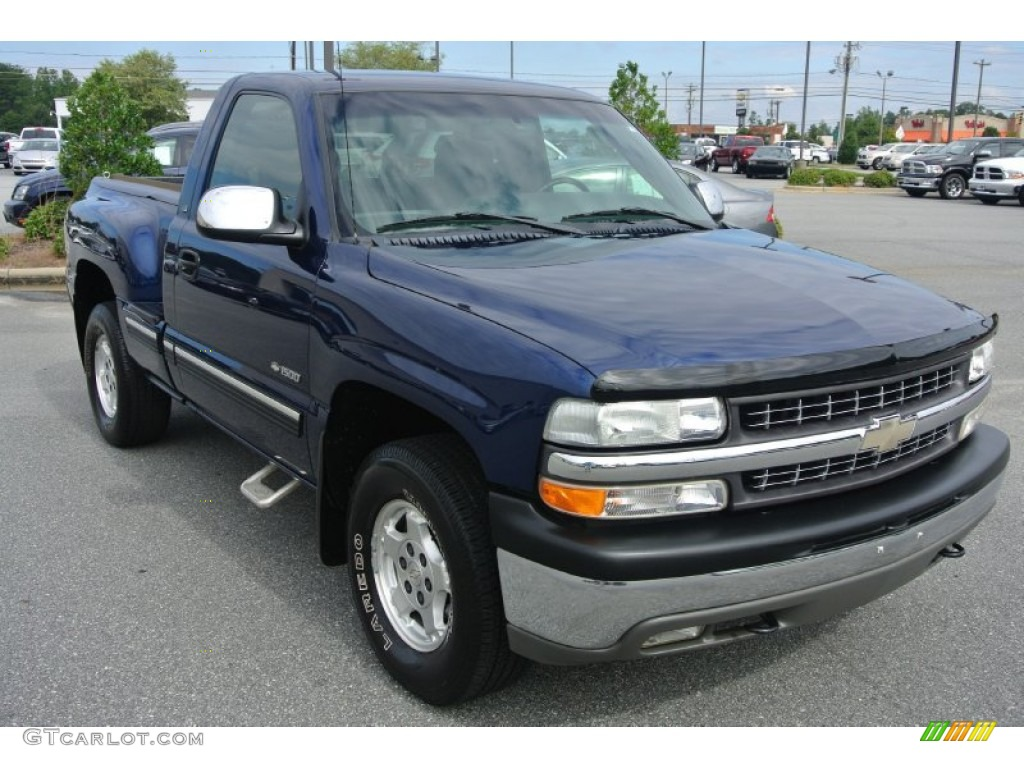 Indigo Blue Metallic 2002 Chevrolet Silverado 1500 LS Regular Cab 4x4 Exterior Photo #86165123