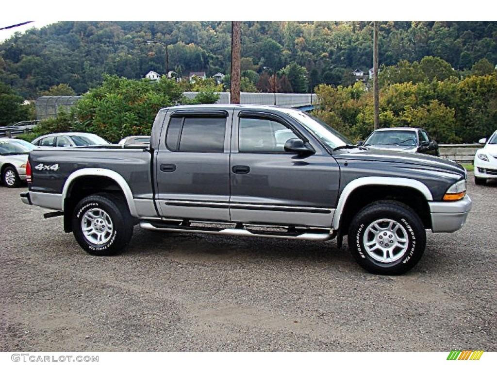2004 Dakota SLT Quad Cab 4x4 - Graphite Metallic / Dark Slate Gray photo #15