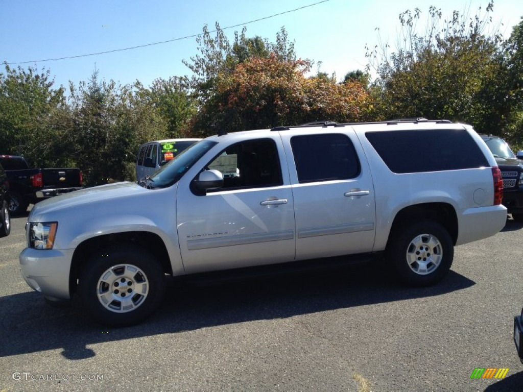 2014 Silver Ice Metallic Chevrolet Suburban Ls 86354164 Photo 3 Car Color