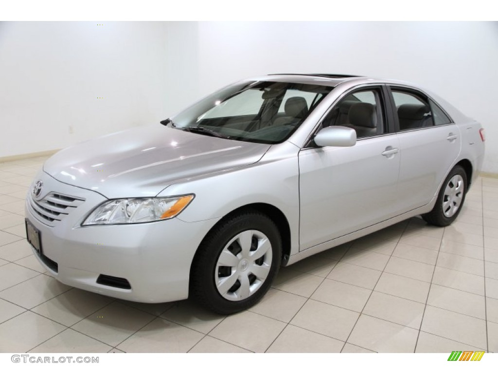classic silver metallic 2008 toyota camry le exterior photo 86500050. Black Bedroom Furniture Sets. Home Design Ideas