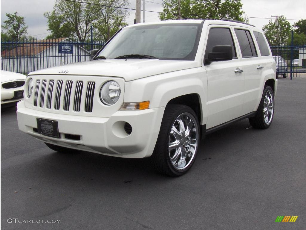Stone White Clearcoat Jeep Patriot. Jeep Patriot Sport