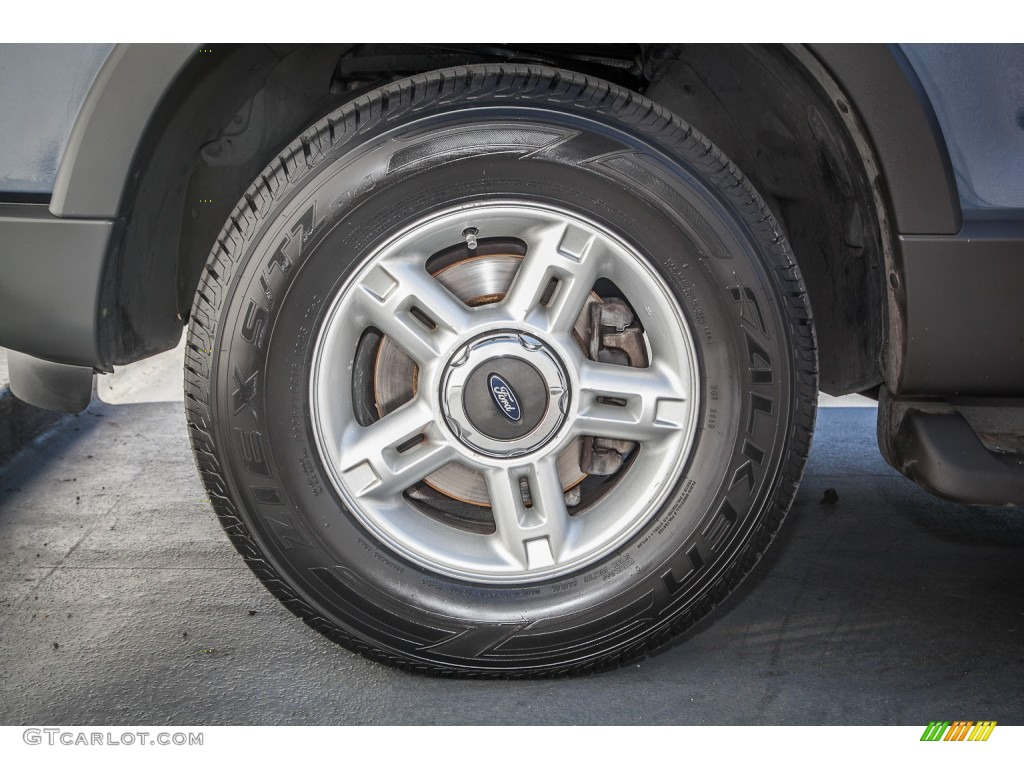 2003 Ford Explorer XLT Wheel Photos