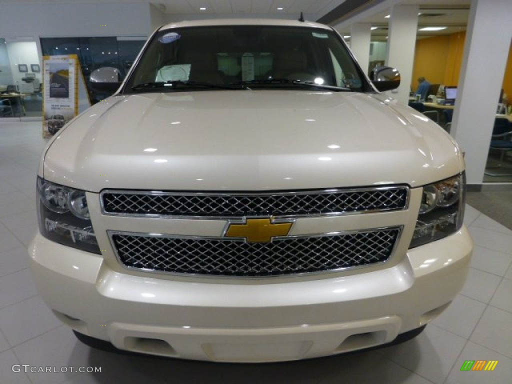 2014 Chevrolet Suburban LTZ 4x4 - White Diamond Tricoat Color / Light