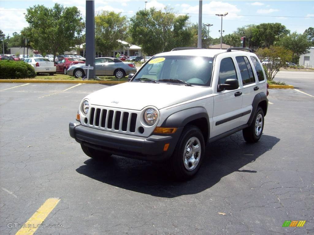 Stone White Jeep Liberty. Jeep Liberty Sport