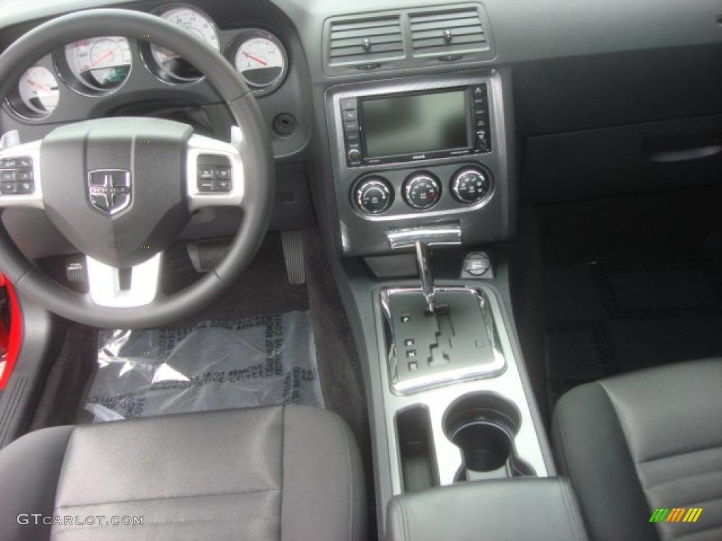 2013 Challenger R/T - Redline 3-Coat Pearl / Dark Slate Gray photo #2