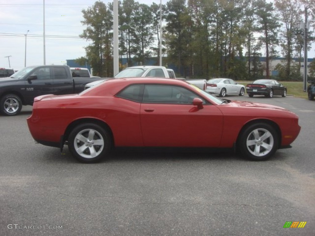 2013 Challenger R/T - Redline 3-Coat Pearl / Dark Slate Gray photo #17