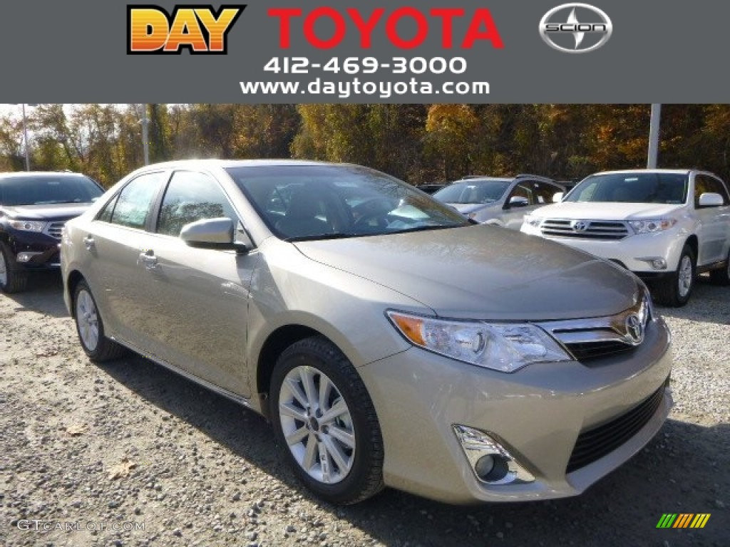 2014 creme brulee metallic toyota camry xle 87568807 photo 6 car color galleries. Black Bedroom Furniture Sets. Home Design Ideas