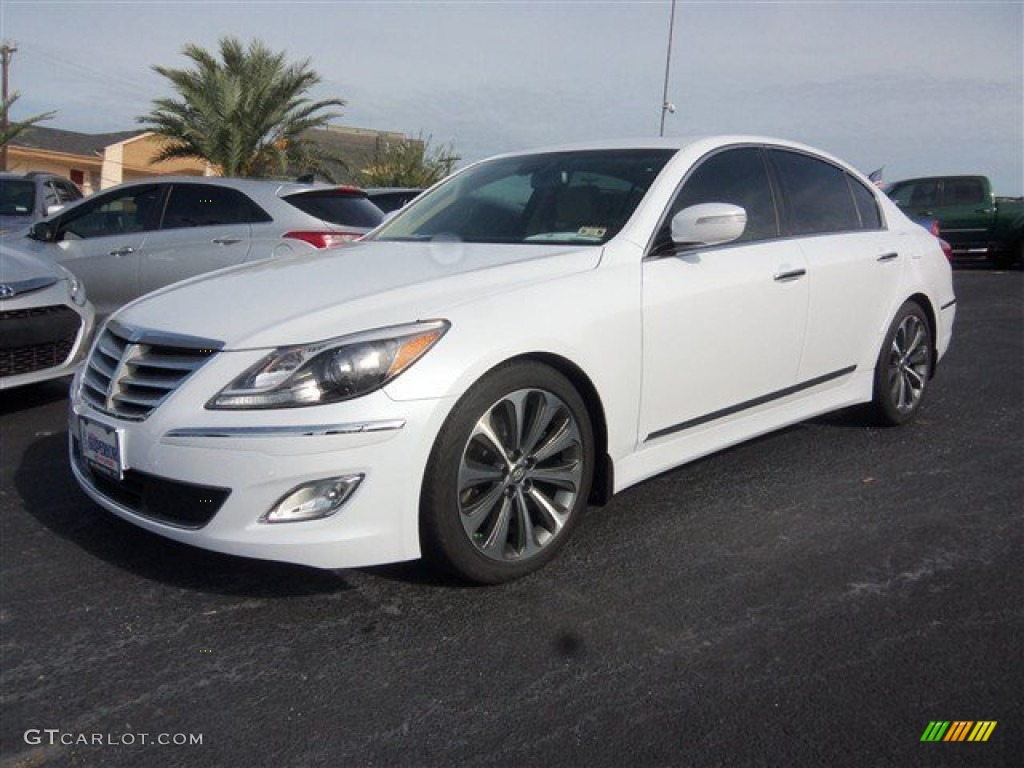 2013 white satin pearl hyundai genesis 5 0 r spec sedan. Black Bedroom Furniture Sets. Home Design Ideas