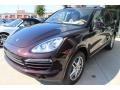 Front 3/4 View of 2014 Cayenne Diesel