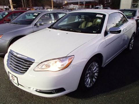 2014 Chrysler 200 Limited Hardtop Convertible Data, Info and Specs