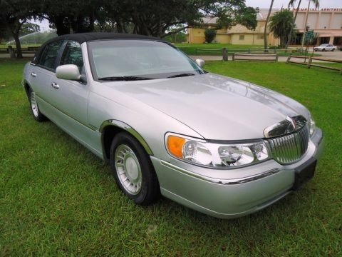 2000 lincoln town car executive data info and specs. Black Bedroom Furniture Sets. Home Design Ideas