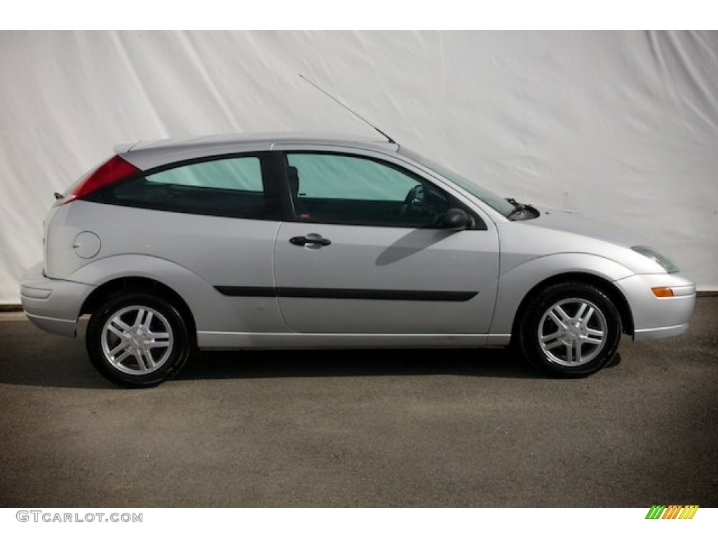 2004 cd silver metallic ford focus zx3 coupe 88666962 photo 11 car color. Black Bedroom Furniture Sets. Home Design Ideas