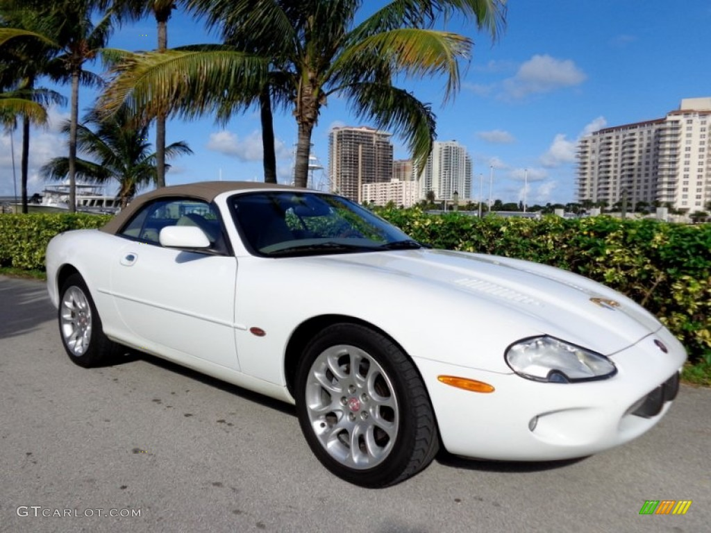 spindrift white 2000 jaguar xk xkr convertible exterior photo 88811573. Black Bedroom Furniture Sets. Home Design Ideas