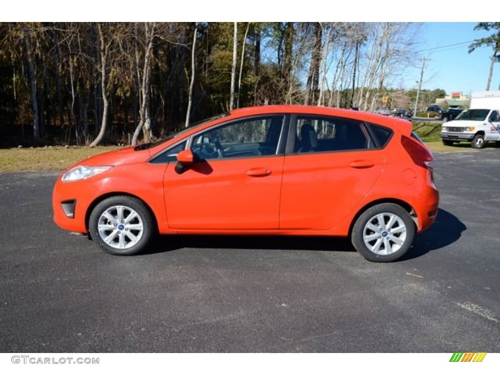 race red 2012 ford fiesta se hatchback exterior photo 88986133. Black Bedroom Furniture Sets. Home Design Ideas