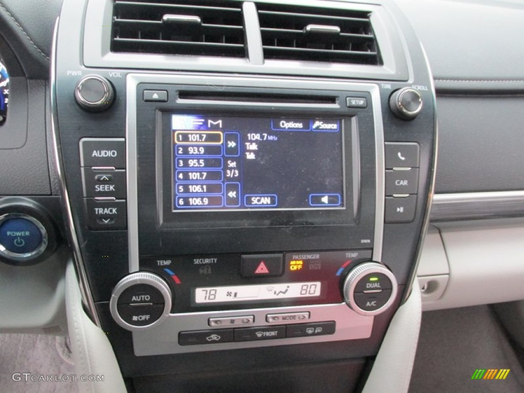 2013 Toyota Camry Hybrid Xle Controls Photos