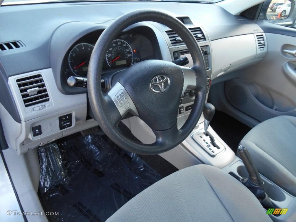 Ash Interior 2013 Toyota Corolla Le Photo 89545477