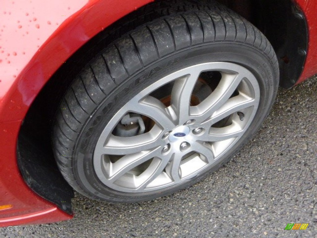 2011 Fusion SE V6 - Red Candy Metallic / Charcoal Black photo #7