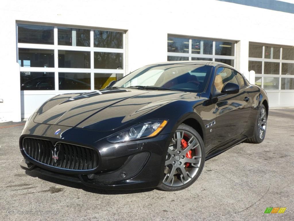 Nero Carbonio (Black Metallic) 2014 Maserati GranTurismo ...