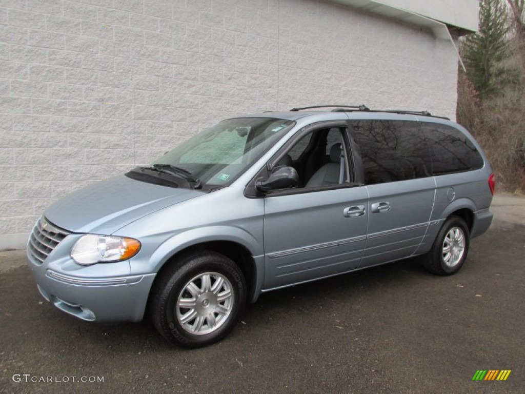 2005 Town & Country Touring - Butane Blue Pearl / Medium Slate Gray photo #1