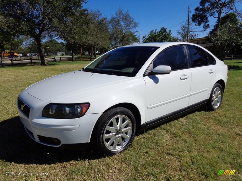 2006 ice white volvo s40 t5 89858197 car color galleries. Black Bedroom Furniture Sets. Home Design Ideas