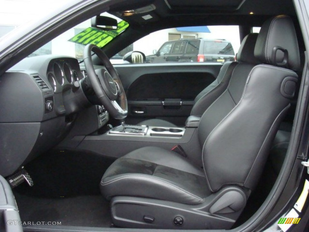 2013 challenger srt8 interior
