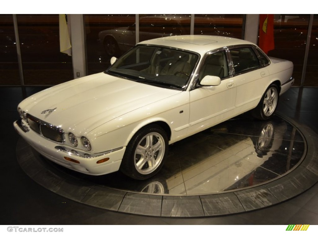 Spindrift white 1999 jaguar xj xjr exterior photo for Jaguar xj exterior